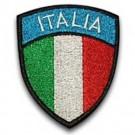 Scudetto tricolore con scritta italia